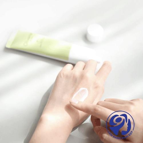 Có nên sử dụng kem dưỡng da tay không?