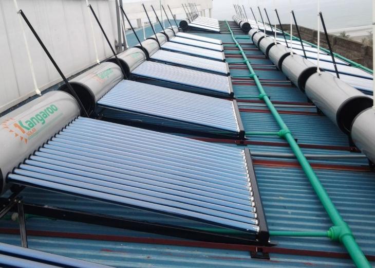 máy nước nóng năng lượng mặt trời kangaroo có tốt không