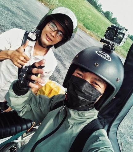 Camera hành trình xe máy gắn mũ bảo hiểm