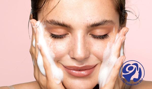 Kem dưỡng ẩm cho da hỗn hợp dùng thế nào phát huy được hiệu quả?