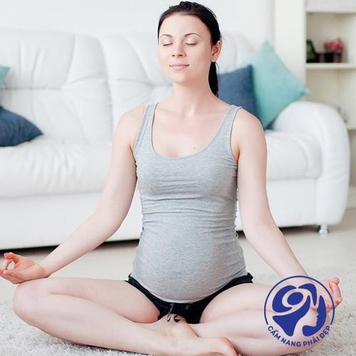 Những lưu ý khi sử dụng kem trị rạn da cho bà bầu & sau sinh