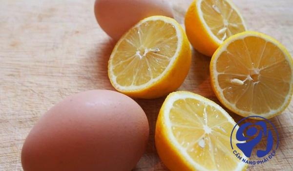 Mặt nạ lòng trắng trứng gà và nước cốt chanh